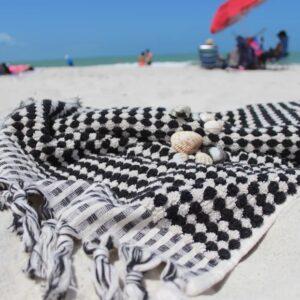 Utopia Black & white on beach