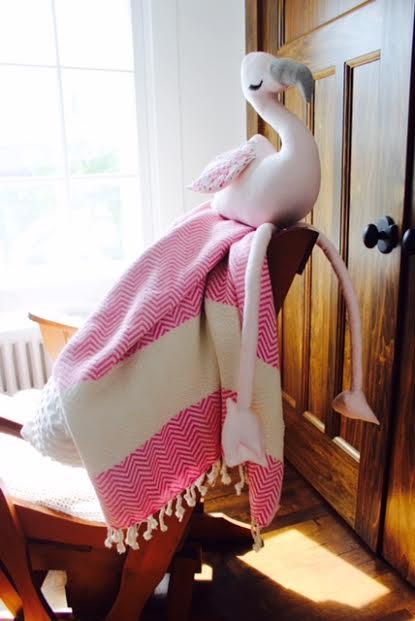 pamuklu pink rocking chair