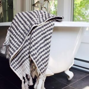 Utopia grey and white towels